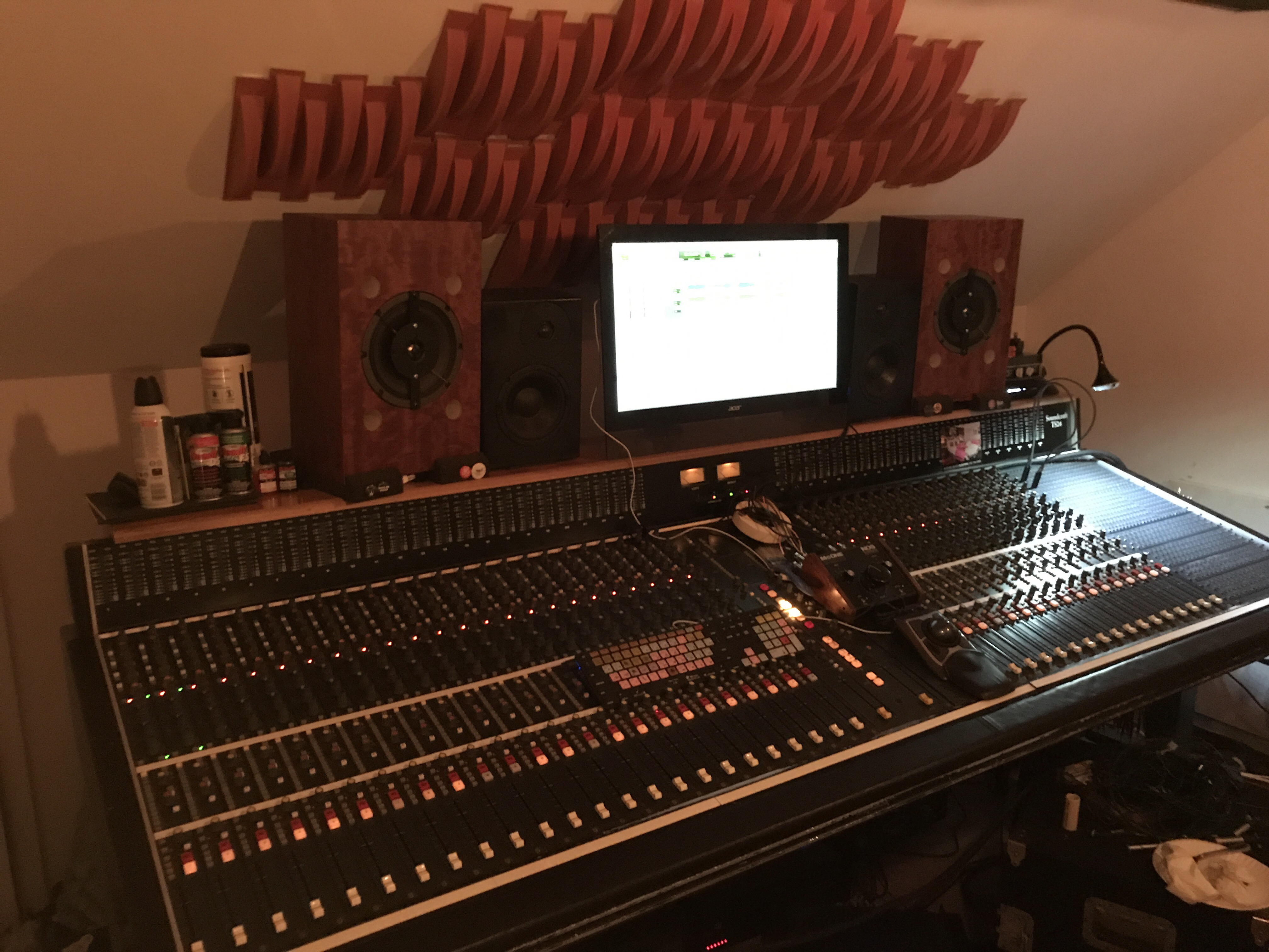 Soundcraft TS24 40 channel inline console